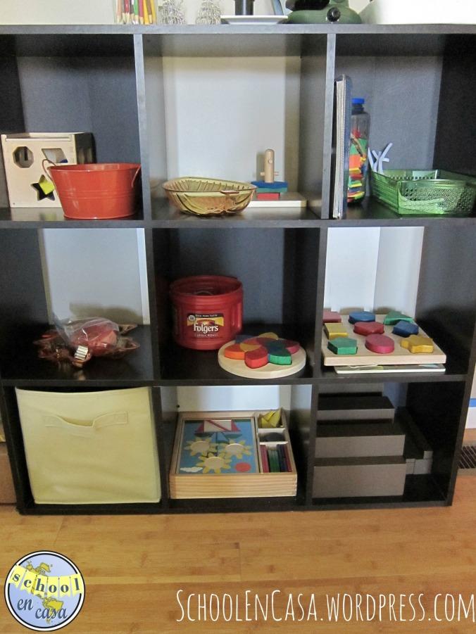 Estanteria Montessori de la nena