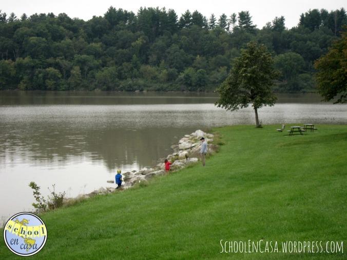 Explorando por el lago
